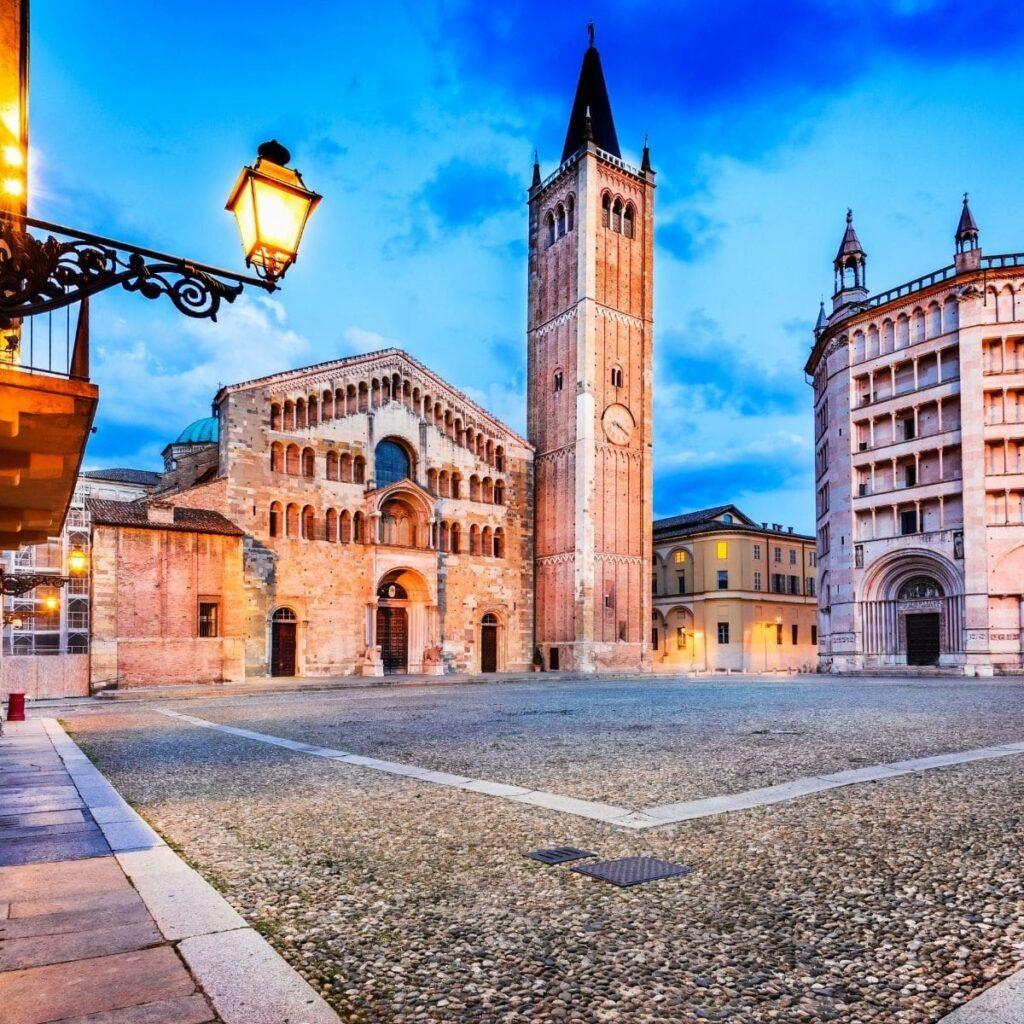 Piazza del Duomo a Parma
